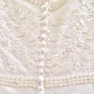 Dresses & Skirts - Bridal Originals Wedding Gown / Veil size 24